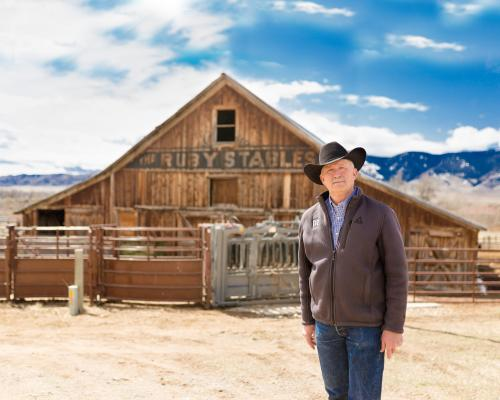 Les Gilman on his family ranch near Alder. (Photo by Anna Ingram, Happiness Captured)